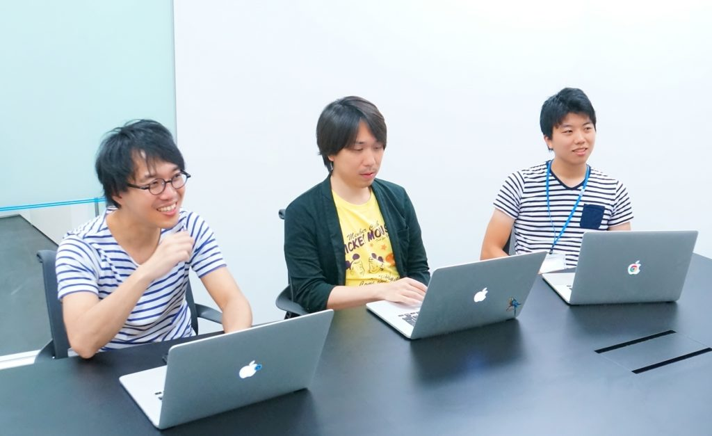 左から、転職会議メディアグループの島川、金子、鈴木